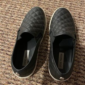 Black Leather Steve Madden Slip on's